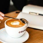 Odkryj magiczny świat Pratchetta w kawiarni z serca Londynu